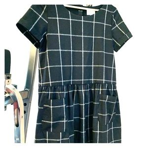 8cdf222895a5 J. Paris Sezane pocket short sleeved dress size 36